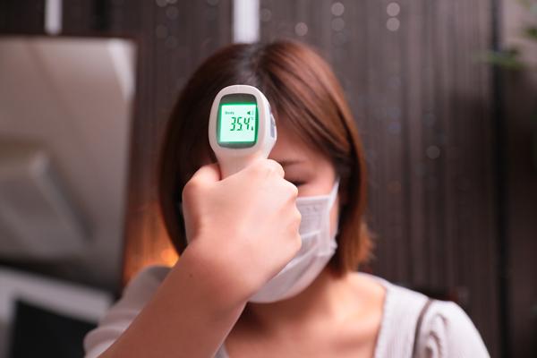 出勤前の検温と体調チェック報告01