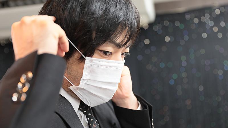出勤前にマスク着用